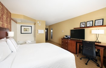 Guestroom at Courtyard by Marriott Orlando Downtown in Orlando