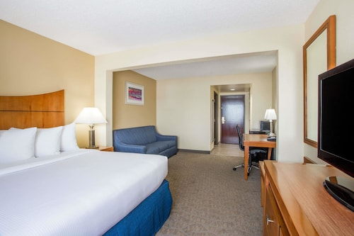 Wingate By Wyndham Closest To Universal Orlando