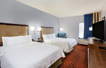 Two qn beds lrg room nonsmoke
