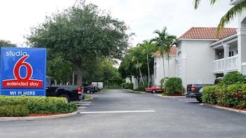 佛羅里達西棕櫚灘 6 號開放式客房飯店 Studio 6 West Palm Beach, FL