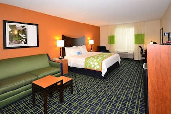 Jefferson City Vacations - Fairfield Inn & Suites by Marriott - Jefferson City - Property Image 1