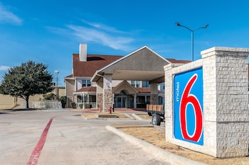 Hotel - Motel 6 North Richland Hills - NE Ft Worth