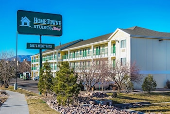 Hotel - HomeTowne Studios -  Colorado Springs Airport