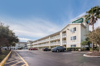 奧蘭多 - UCF 區家鄉開放式客房紅屋頂飯店 HomeTowne Studios by Red Roof Orlando - UCF Area