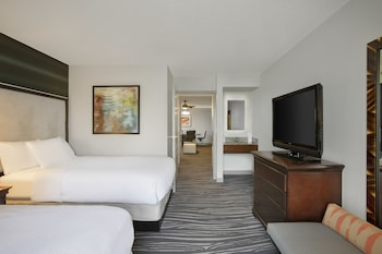 Guestroom at Embassy Suites by Hilton Orlando Airport in Orlando