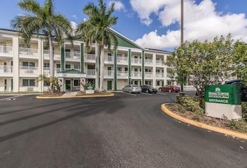 勞德岱堡家鄉開放式客房紅屋頂飯店 HomeTowne Studios by Red Roof Fort Lauderdale