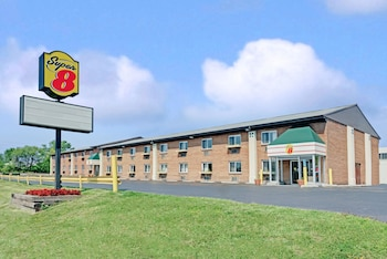 Super 8 by Wyndham Kenmore/Buffalo/Niagara Falls Area