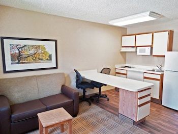 Guestroom at Extended Stay America - Phoenix - Airport - Tempe in Tempe