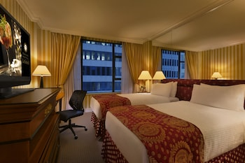 Executive Suite, 1 Bedroom (Two Twin Beds with Sofa Bed)