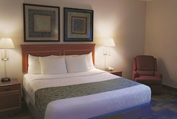 Room, 1 King Bed, Accessible, Non Smoking (Mobility/Hearing Impaired Accessible)