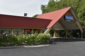 Travelodge by Wyndham Red Bluff