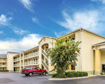 郊區長住公寓飯店 Suburban Extended Stay Hotel