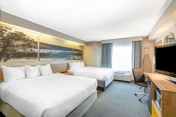 Room, 2 Queen Beds, Non Smoking (Newly Remodeled)