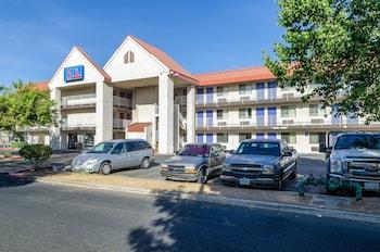 Motel 6 Fresno, CA - Yosemite Hwy