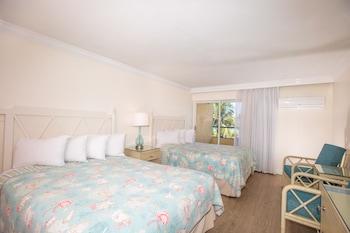Standard Room, 2 Queen Beds (Waterview)
