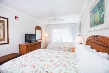 Standard Room, 2 Queen Beds, Poolside