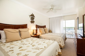 Suite, 1 Bedroom, Kitchenette, Bay View (2 Queens and sofa bed)