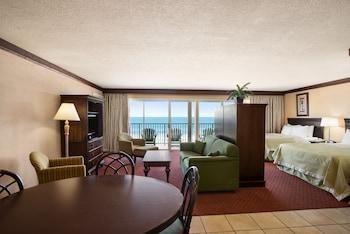 Guestroom at Days Inn by Wyndham Ocean City Oceanfront in Ocean City