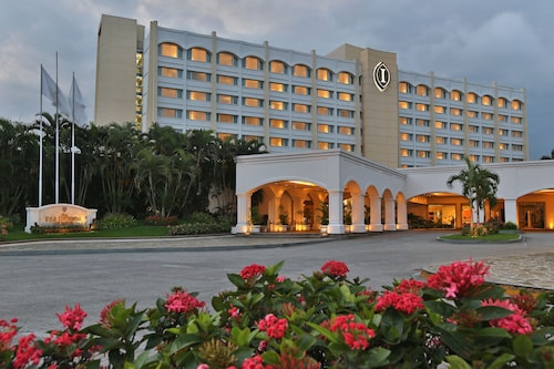 __{offers.Best_flights}__ Real InterContinental San Salvador at Metrocentro Mall