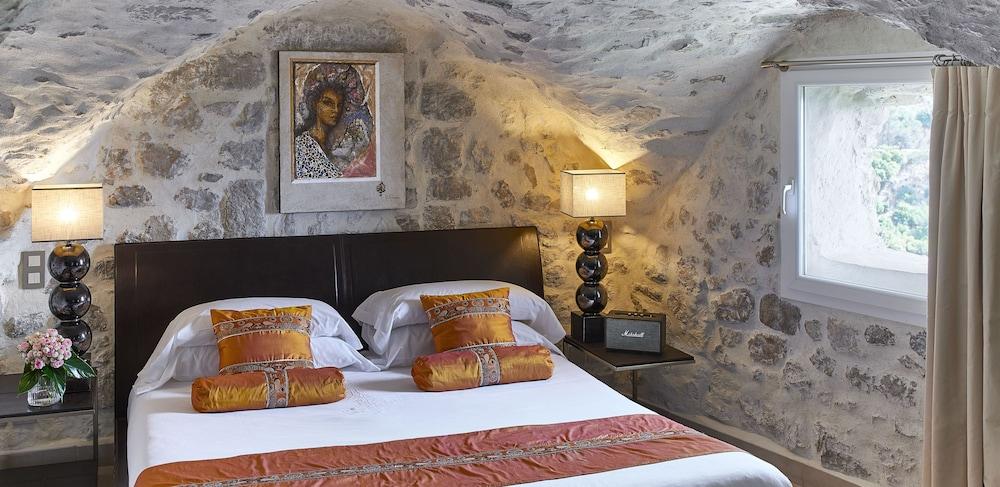 https://i.travelapi.com/hotels/1000000/180000/174900/174801/49c66f8f_z.jpg