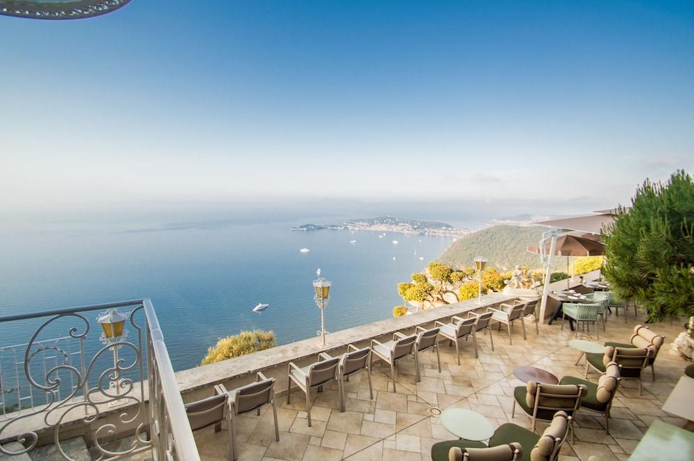 https://i.travelapi.com/hotels/1000000/180000/174900/174801/ec094acc_z.jpg