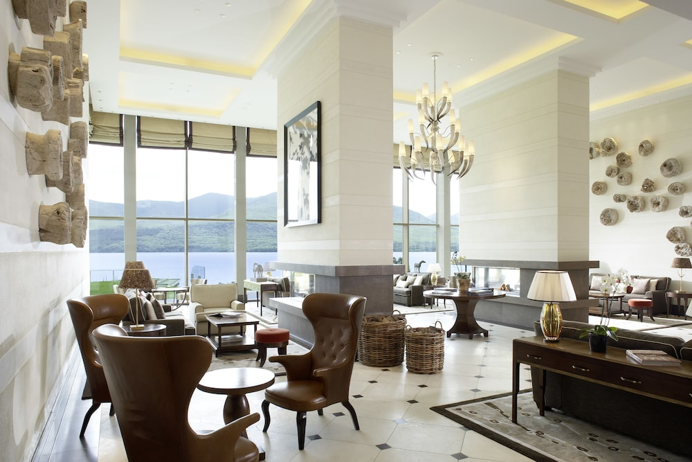 https://i.travelapi.com/hotels/1000000/180000/176100/176099/0a542575_z.jpg
