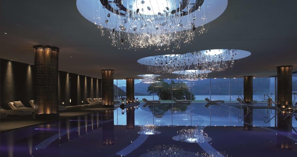 https://i.travelapi.com/hotels/1000000/180000/176100/176099/c94cc9d3_z.jpg