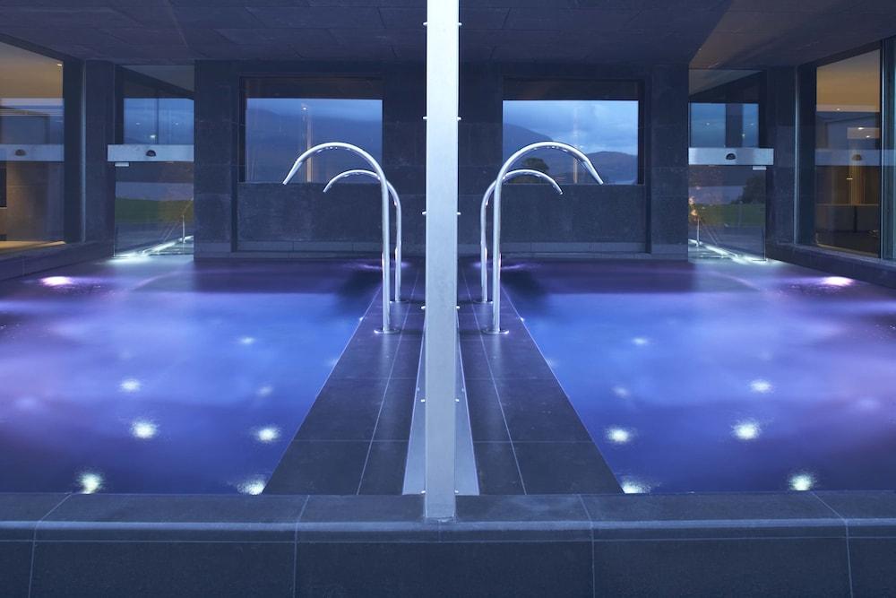 https://i.travelapi.com/hotels/1000000/180000/176100/176099/f45d40bd_z.jpg