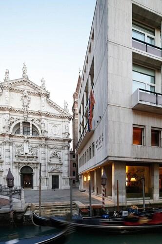 . Bauer Palazzo