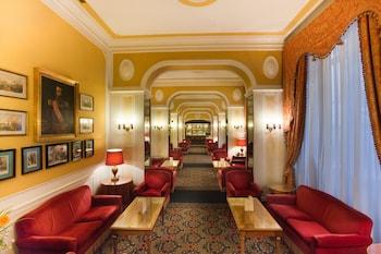 馬西莫達澤里奧飯店