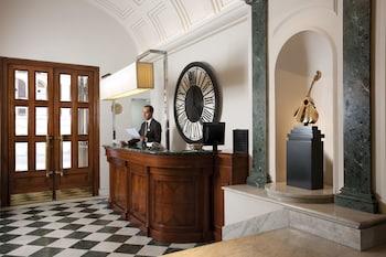 Book Mascagni Hotel in Rome.