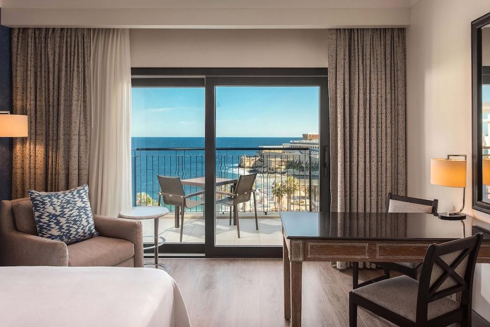 https://i.travelapi.com/hotels/1000000/180000/176800/176713/0aee6fdc_z.jpg