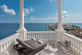 Room, 2 Queen Beds, Balcony, Sea View (Tower)