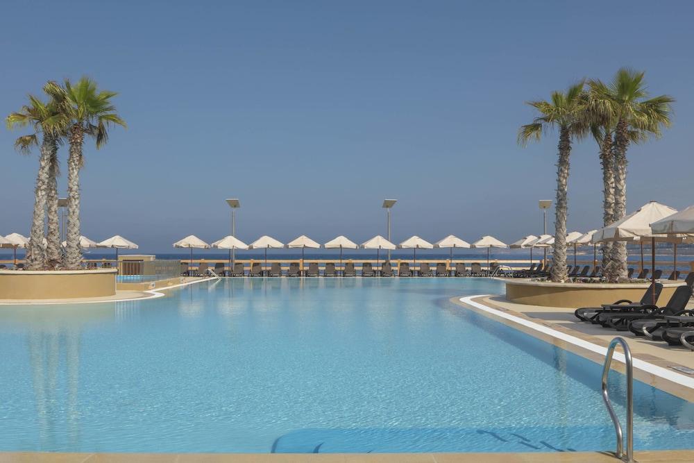 https://i.travelapi.com/hotels/1000000/180000/176800/176713/dbceaf43_z.jpg