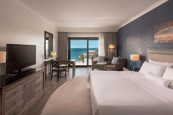 Deluxe Room, 1 King Bed, Balcony, Sea View