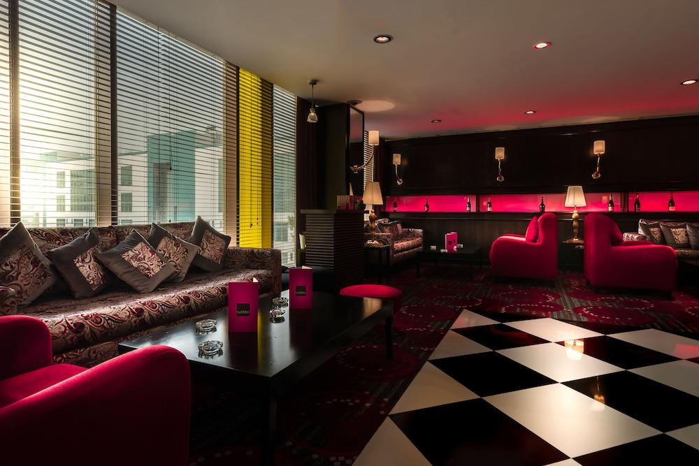 래디슨 블루 호텔 도하(Radisson Blu Hotel Doha) Hotel Image 111 - Hotel Lounge