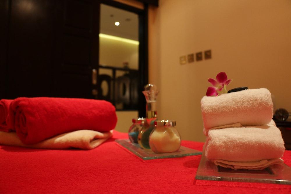 래디슨 블루 호텔 도하(Radisson Blu Hotel Doha) Hotel Image 59 - Treatment Room