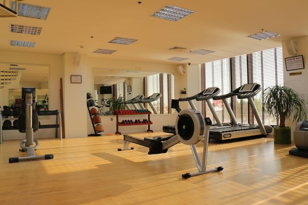 래디슨 블루 호텔 도하(Radisson Blu Hotel Doha) Hotel Image 56 - Gym