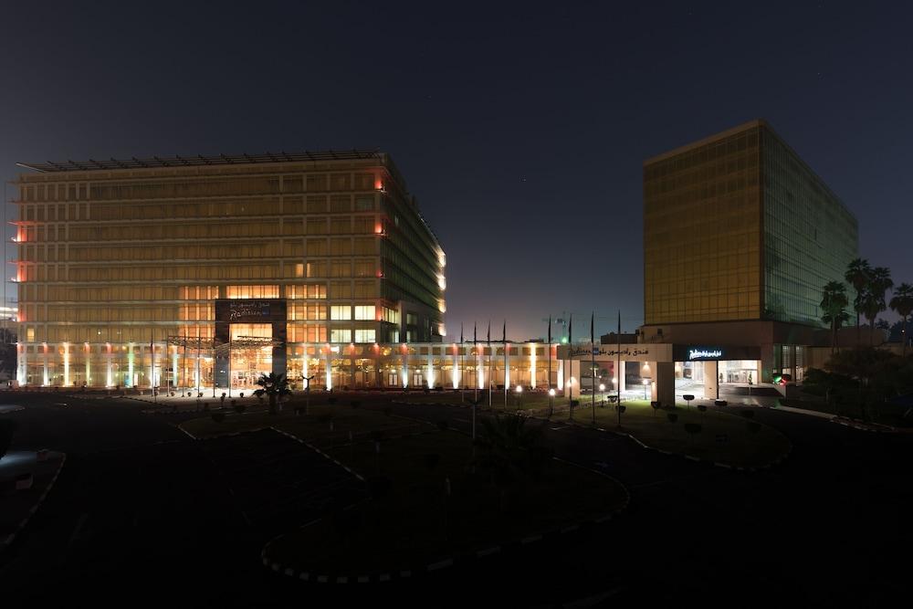 래디슨 블루 호텔 도하(Radisson Blu Hotel Doha) Hotel Image 141 - Hotel Front