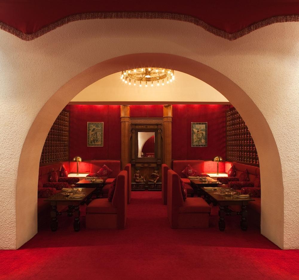 래디슨 블루 호텔 도하(Radisson Blu Hotel Doha) Hotel Image 75 - Restaurant