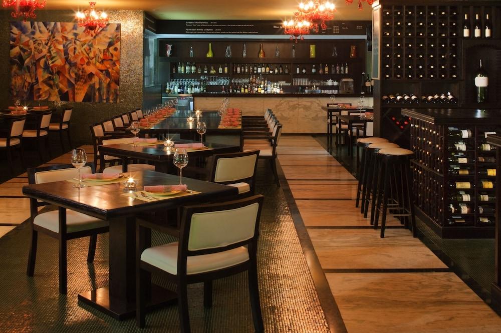 래디슨 블루 호텔 도하(Radisson Blu Hotel Doha) Hotel Image 72 - Restaurant