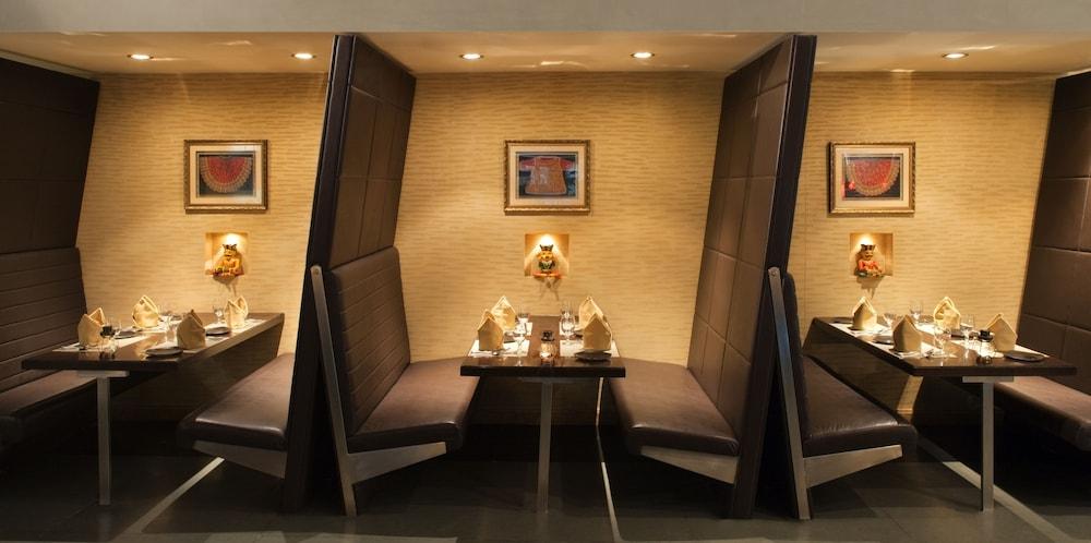 래디슨 블루 호텔 도하(Radisson Blu Hotel Doha) Hotel Image 147 - Restaurant