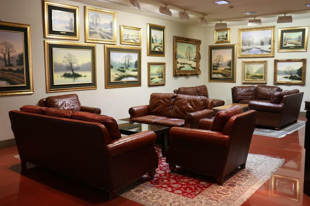래디슨 블루 호텔 도하(Radisson Blu Hotel Doha) Hotel Image 2 - Lobby Lounge