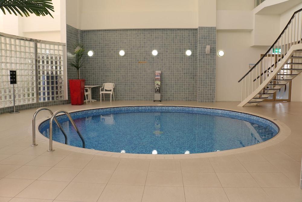 래디슨 블루 호텔 도하(Radisson Blu Hotel Doha) Hotel Image 53 - Indoor Spa Tub