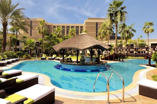 . Le Meridien Dubai Hotel & Conference Centre