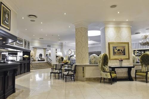 . Protea Hotel by Marriott Johannesburg Balalaika Sandton