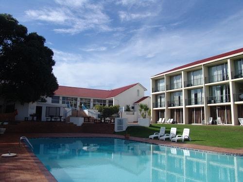 . Wilderness Beach Hotel