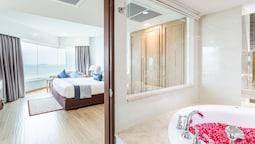 One Bedroom Theme Suite