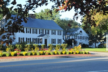 Hotel - Publick House Historic Inn and Country Motor Lodge