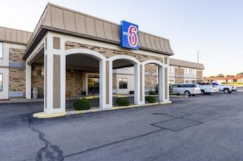 Hotel - Motel 6 Springfield
